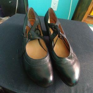Miz Mooz Marion shoes size 8
